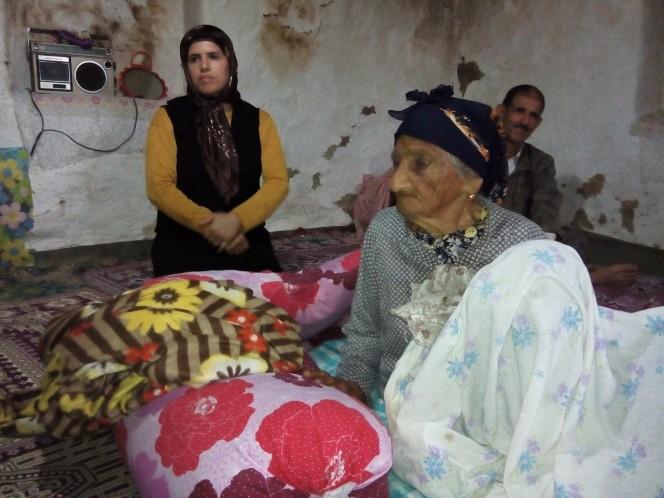 خانه دار شدن زن 97 ساله گیلانی (7)