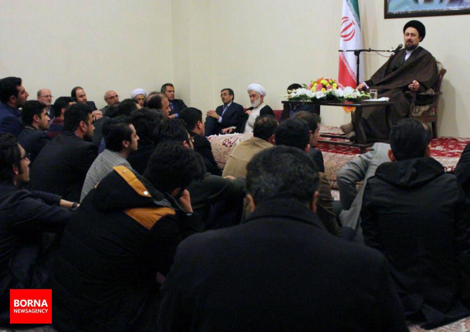 دیدار++جمعی+از+جوانان++گیلانی+با+آیت+الله+سید+حسن+خمینی (15)
