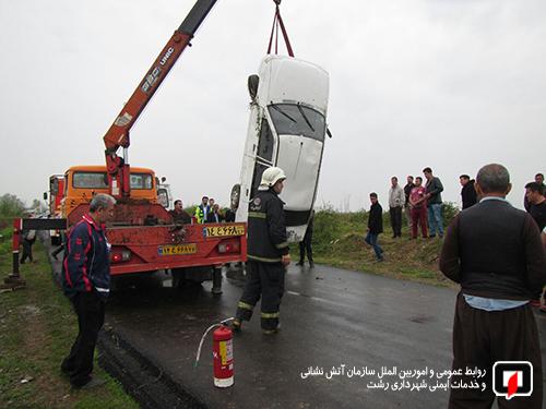 واژگونی خودرو کانال پسیخان (3)