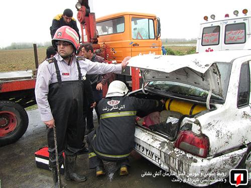 واژگونی خودرو کانال پسیخان (4)