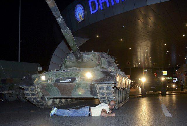 کودتا در ترکیه مقابله با تانک
