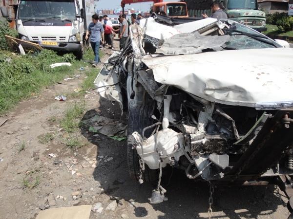 تصادف کامیون و تویوتا (3)