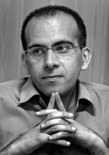 ایرج هوسمی؛ ناطقی که انبانی از تاریخ بود - گیل نگاه